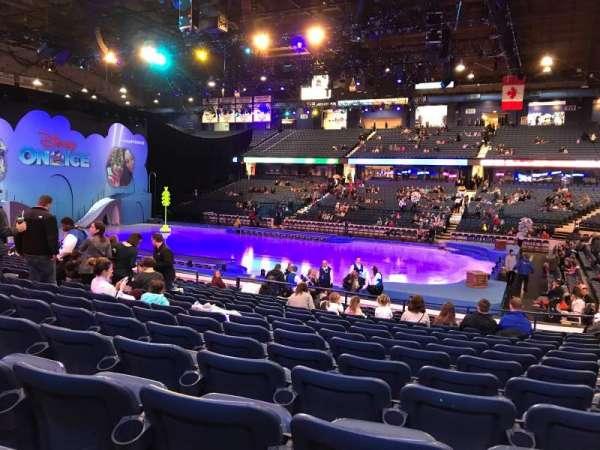 Allstate Arena, vak: 101, rij: N, stoel: 13