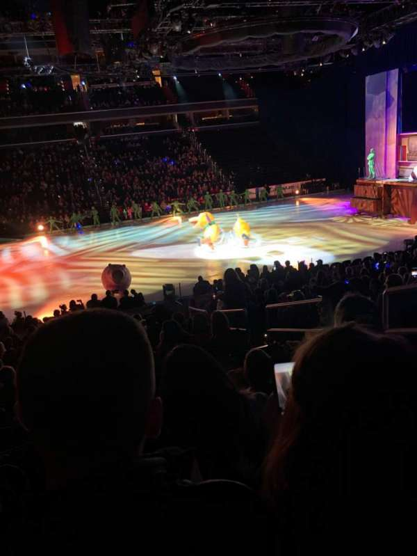 Capital One Arena, vak: 110, rij: Q, stoel: 19