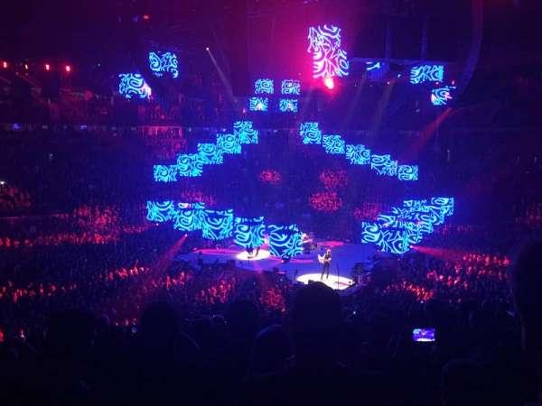 Bridgestone Arena, vak: 105, rij: N, stoel: 14