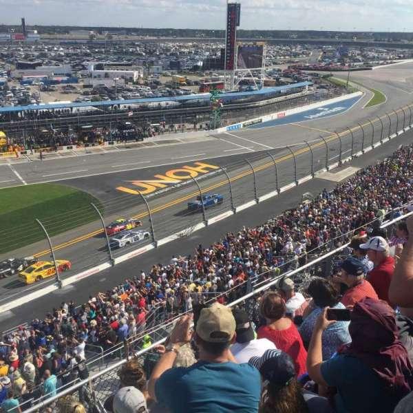 Daytona International Speedway, vak: 365, rij: 5, stoel: 20