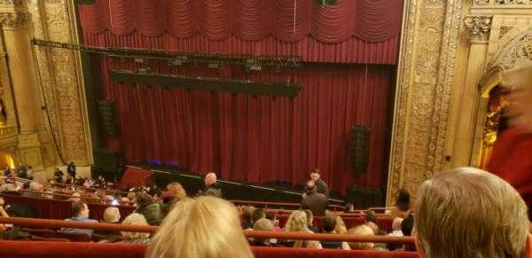 Chicago Theatre, vak: balcony 2R, rij: G, stoel: 112