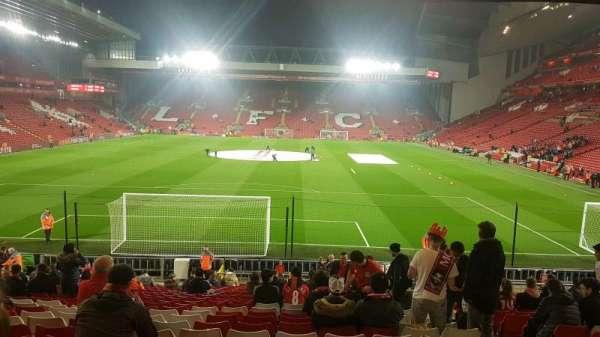 Anfield, vak: 124, rij: 28, stoel: 96