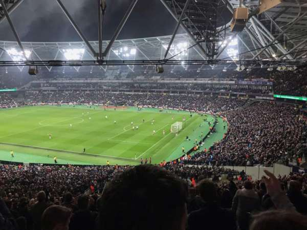London Stadium, vak: 242, rij: 50