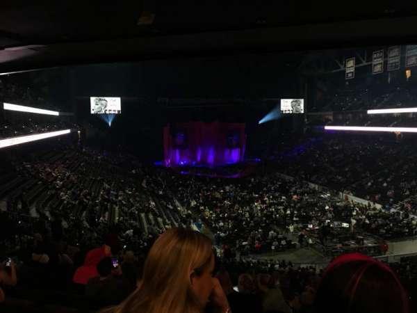 VyStar Veterans Memorial Arena, vak: 110, rij: GG, stoel: 13