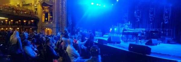 Chicago Theatre, vak: Main Floor 3R, rij: AA, stoel: 310