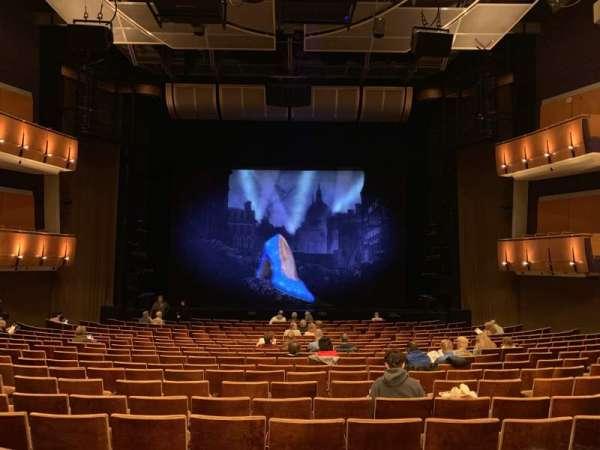 Ahmanson Theatre, vak: Orcastra, rij: T, stoel: 28