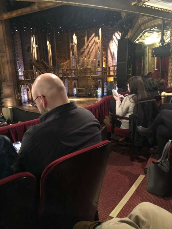 CIBC Theatre, vak: DRCR-R, rij: B, stoel: 12