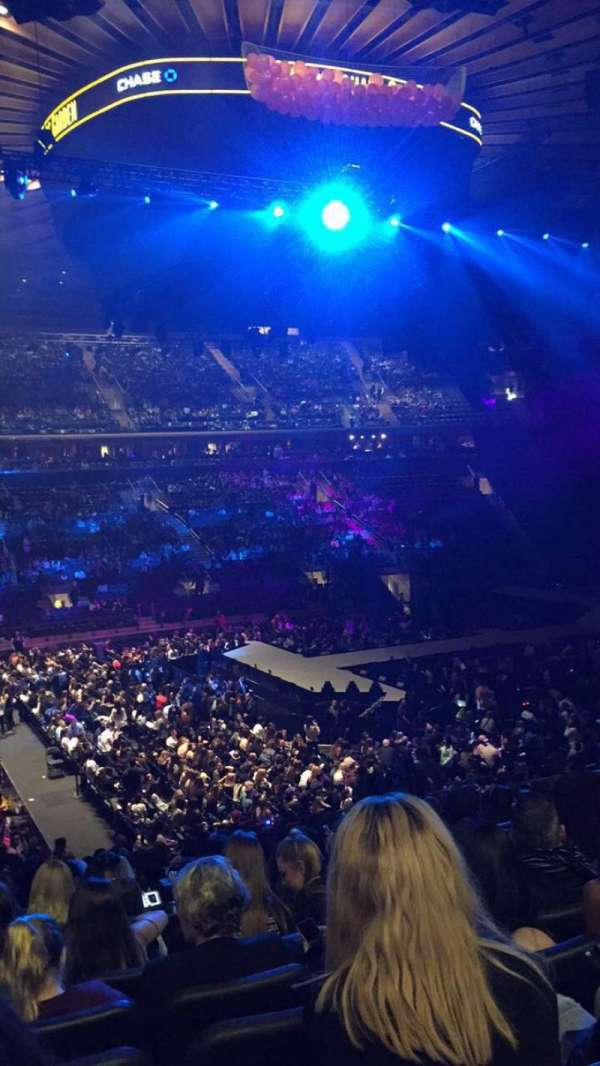 Madison Square Garden, vak: 106, rij: 20, stoel: 5
