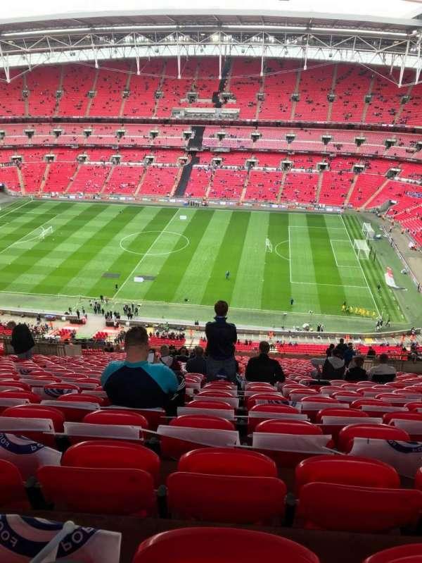 Wembley Stadium, vak: 550, rij: 32, stoel: 330