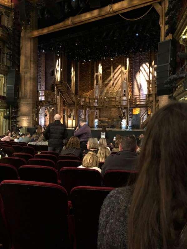CIBC Theatre, vak: Orchestra R, rij: Q, stoel: 14