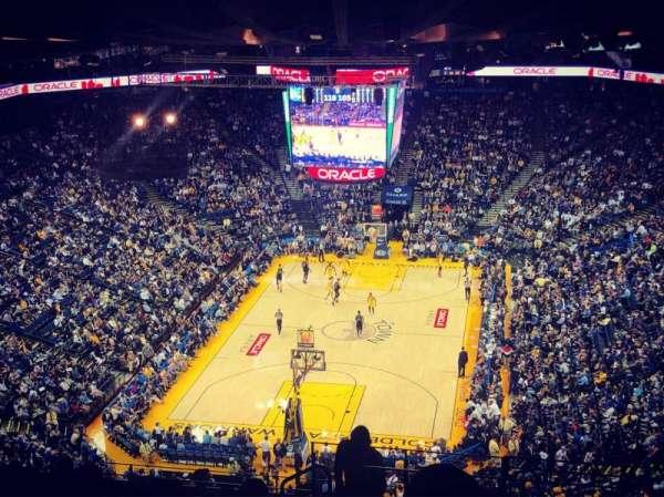 Oakland Arena, vak: 208, rij: 16, stoel: 1