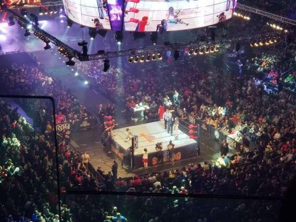 Madison Square Garden, vak: 302, rij: BS3, stoel: 12