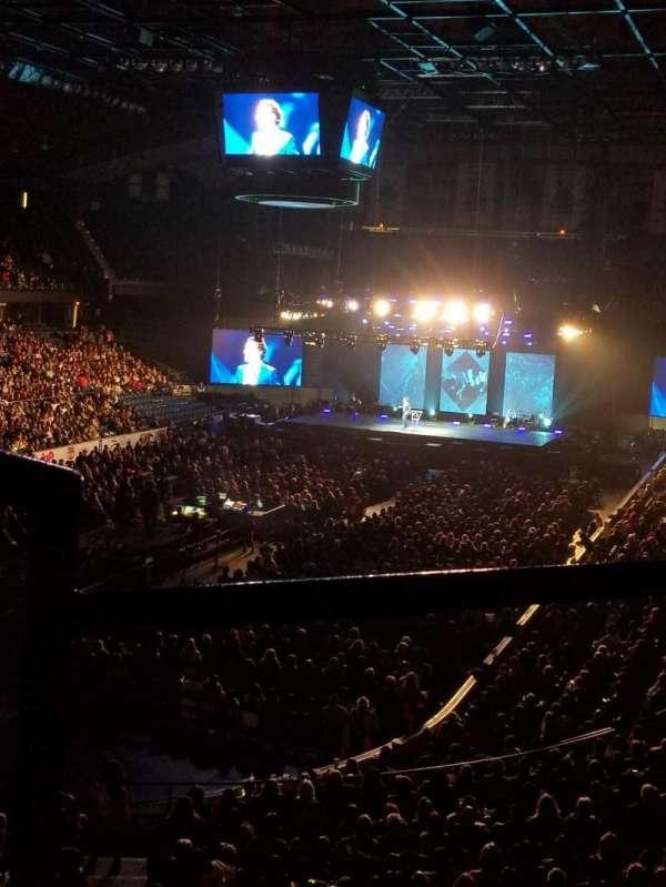 Allstate Arena, vak: 213, rij: B, stoel: 1