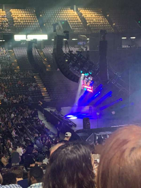 Royal Farms Arena, vak: 210, rij: K, stoel: 14