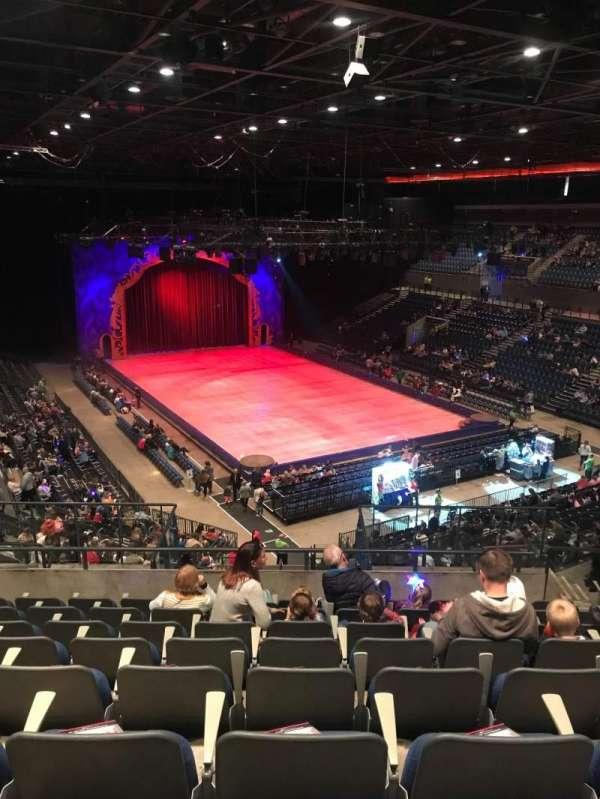 M&S Bank Arena, vak: 8, rij: MM, stoel: 186