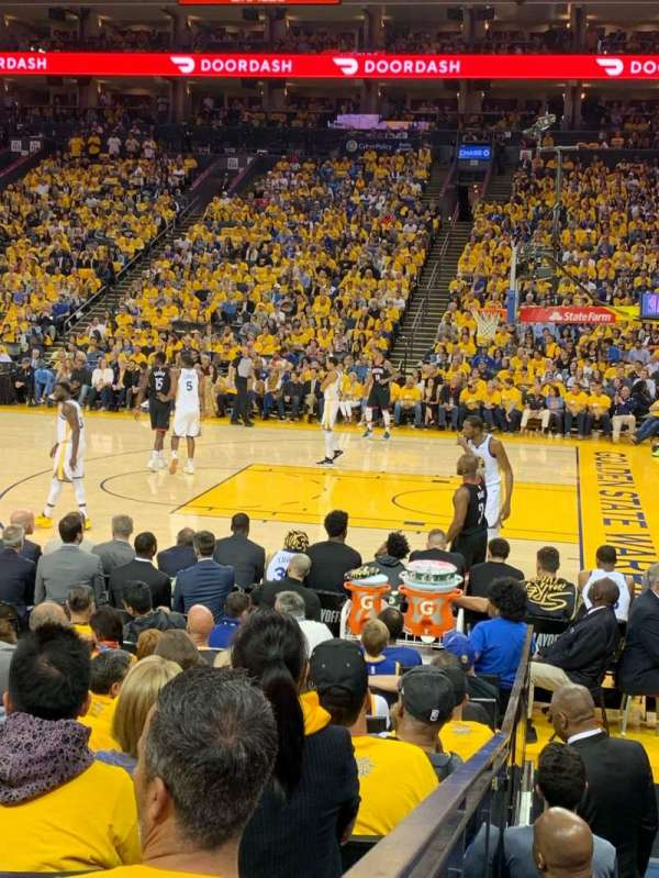 Oakland Arena, vak: 127, rij: 7, stoel: 9