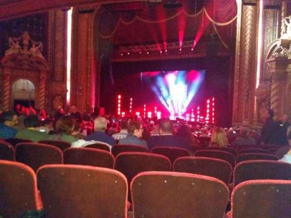 Wang Theatre, vak: Orchestra RC, rij: X, stoel: 24