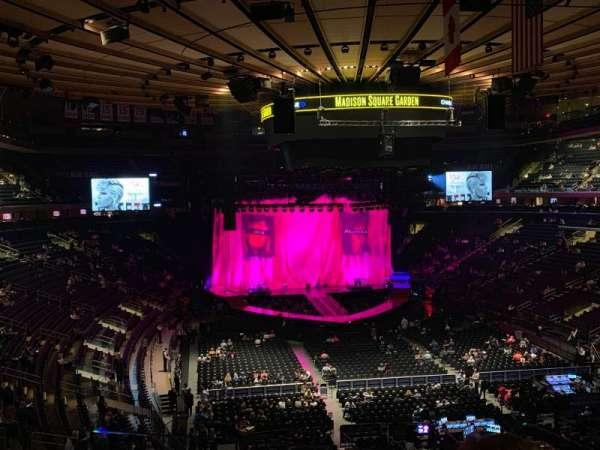 Madison Square Garden, vak: 203, rij: 2, stoel: 7