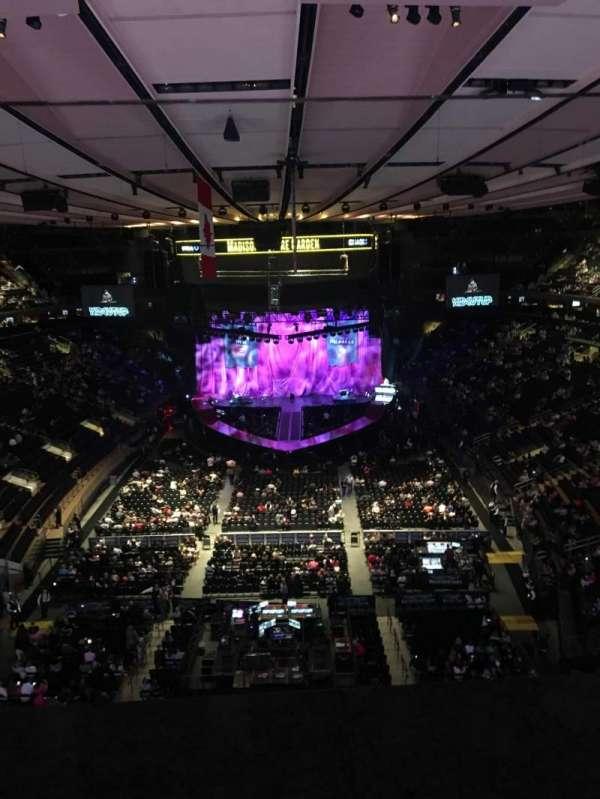 Madison Square Garden, vak: 305, rij: 1, stoel: 10