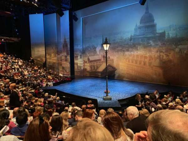 Vivian Beaumont Theater, vak: Orchestra RC, rij: M, stoel: 411