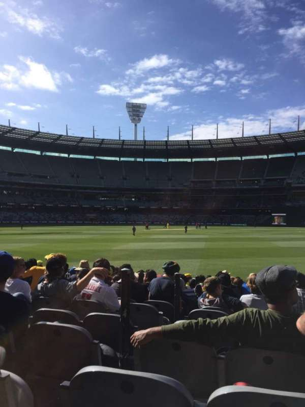Melbourne Cricket Ground, vak: M13, rij: 12, stoel: 3