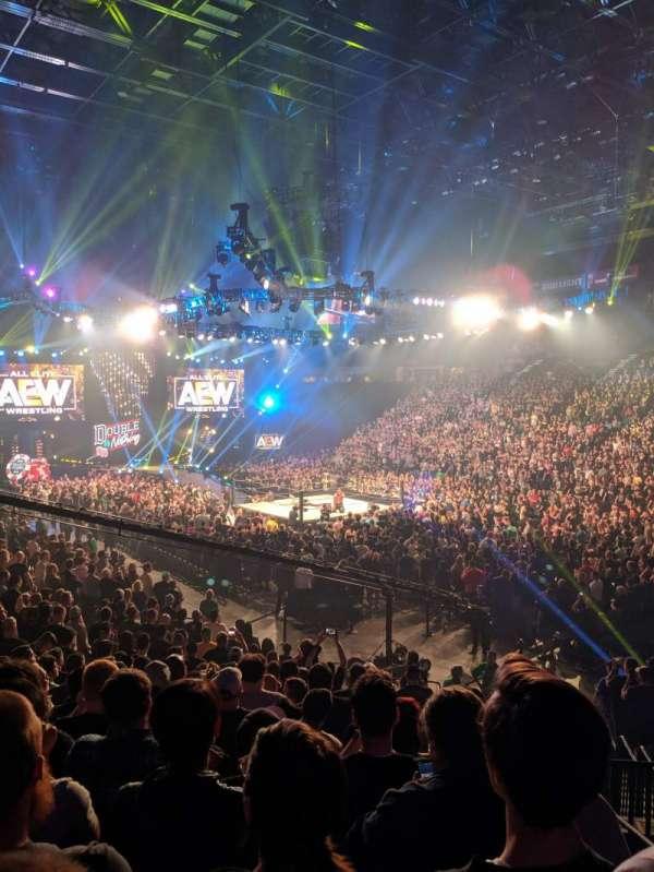 T-Mobile Arena, vak: 7, rij: S, stoel: 2