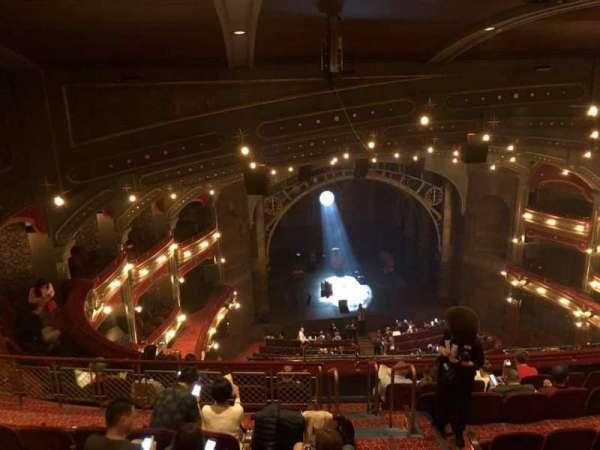 Lyric Theatre, vak: Balcony L, rij: H, stoel: 1