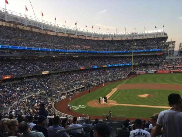 Yankee Stadium, vak: 216, rij: 12