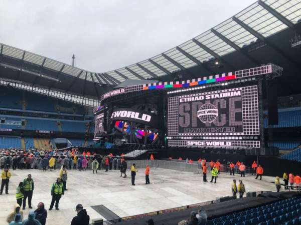 Etihad Stadium (Manchester), vak: 104, rij: L, stoel: 70