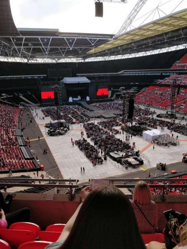 Wembley Stadium, vak: 517, rij: 4, stoel: 112