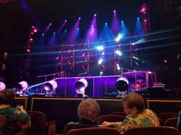 Beacon Theatre, vak: Orchestra 2, rij: A, stoel: 4