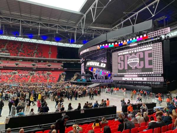 Wembley Stadium, vak: 142, rij: M, stoel: 245