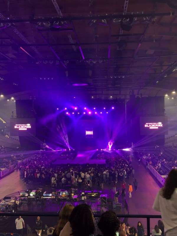 Allstate Arena, vak: 214, rij: E, stoel: 21