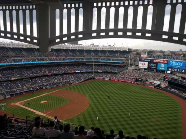 Yankee Stadium, vak: 411, rij: 14, stoel: 14
