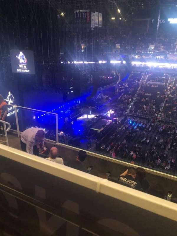 Talking Stick Resort Arena, vak: 219, rij: 6, stoel: 11-12