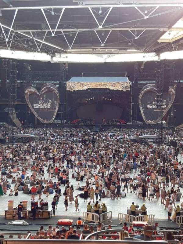 Wembley Stadium, vak: 111, rij: 40, stoel: 254