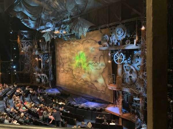Gershwin Theatre, vak: FMEZZ, rij: AA, stoel: 2