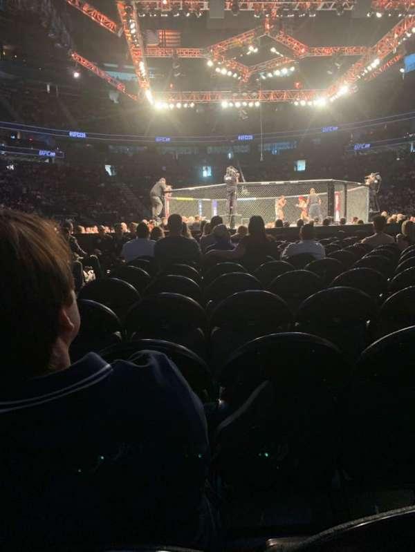 T-Mobile Arena, vak: G, rij: N, stoel: 1