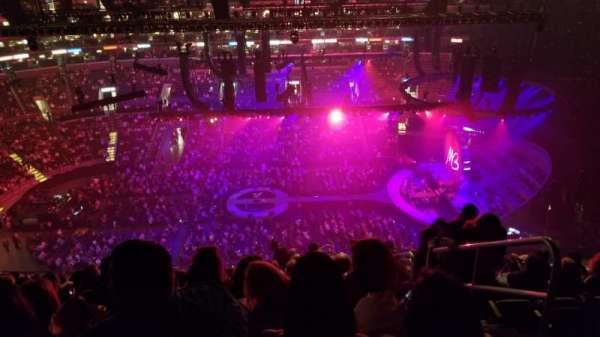 Staples Center, vak: 301, rij: 14, stoel: 2
