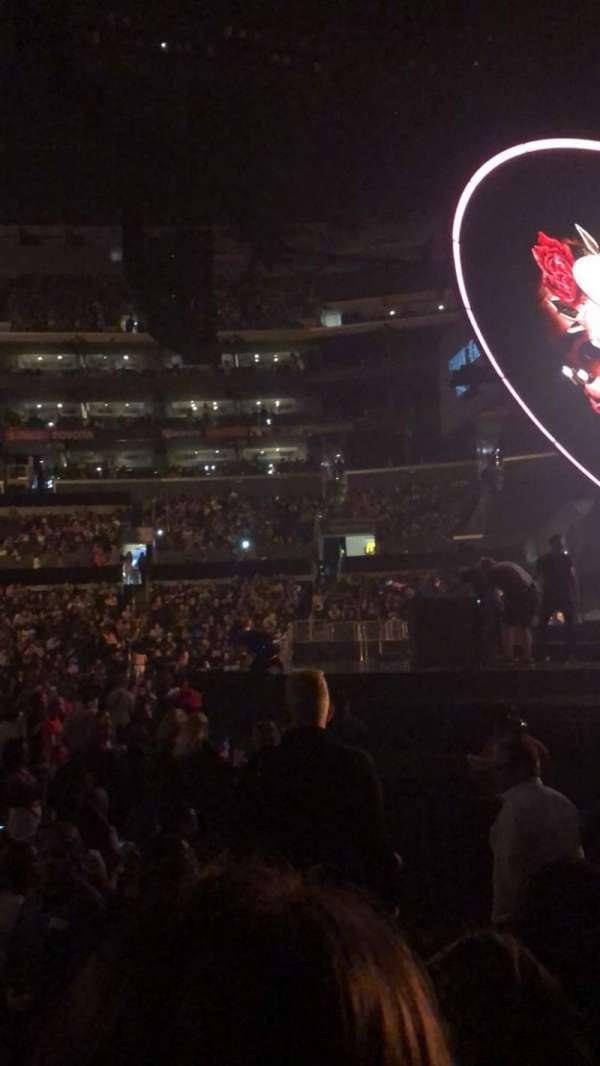 Staples Center, vak: 118, rij: 5, stoel: 3