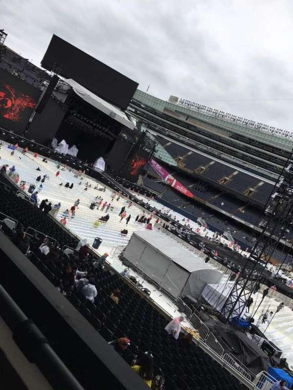Soldier Field, vak: 235, rij: 1, stoel: 13
