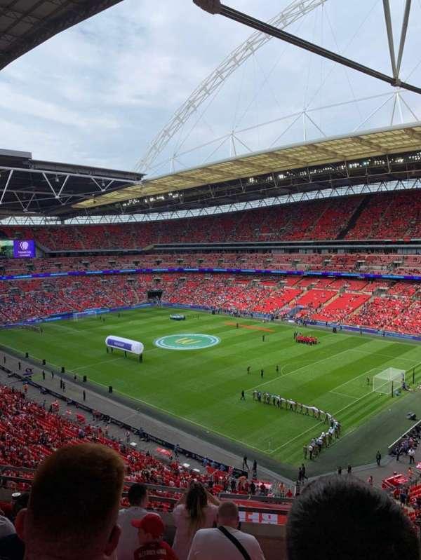 Wembley Stadium, vak: 520, rij: 6, stoel: 201