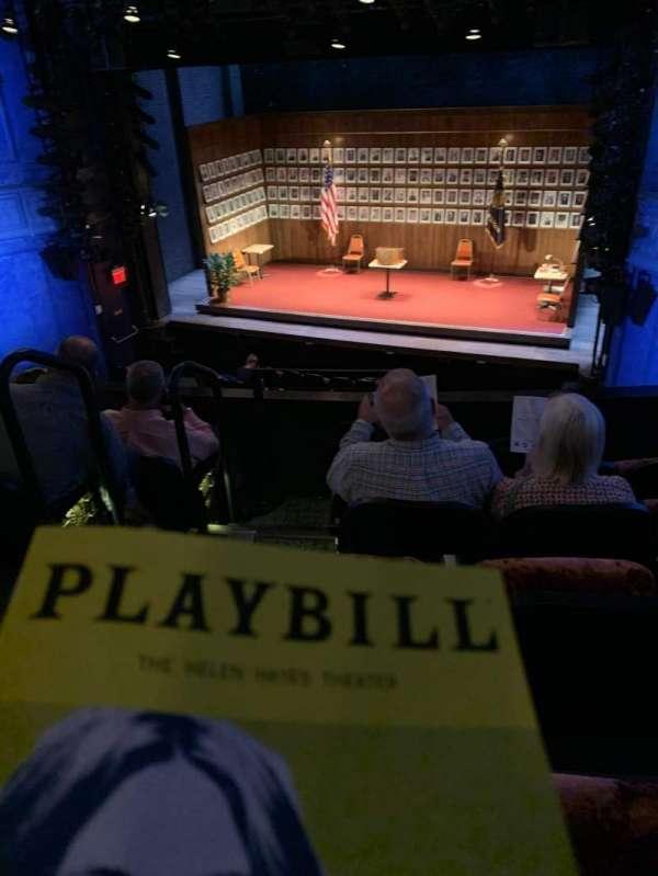 Hayes Theater, vak: Mezzanine R, rij: E, stoel: 4