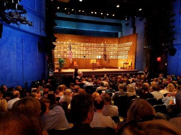 Hayes Theater, vak: Orchestra L, rij: P, stoel: 7