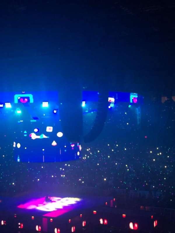Allstate Arena, vak: 209, rij: E, stoel: 22