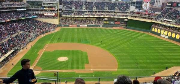 Target Field, vak: 309, rij: 6, stoel: 17
