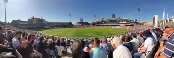 Kia Oval, vak: Peter May Stand, rij: 27, stoel: 45