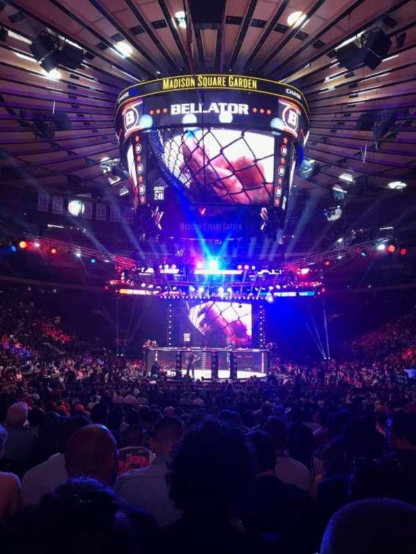 Madison Square Garden, vak: 2, rij: 18, stoel: 17
