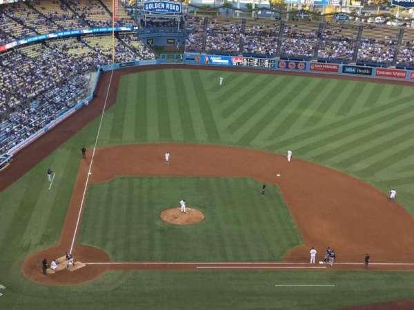 Dodger Stadium, vak: 10TD, rij: J, stoel: 18