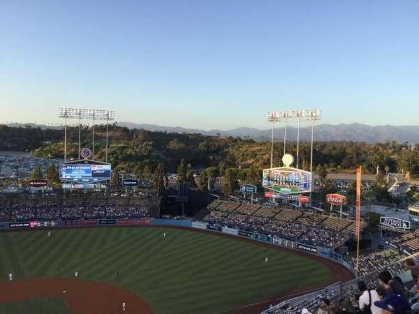 Dodger Stadium, vak: 10TD, rij: J, stoel: 16